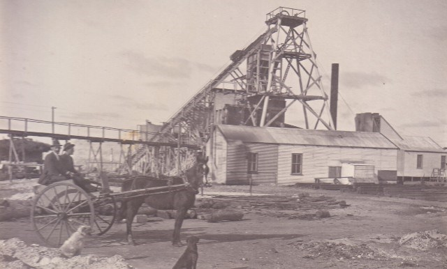Early photo of Westonia's Edna May Mine